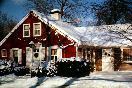 X-Red-Cottage-In-Snow_0013.jpg