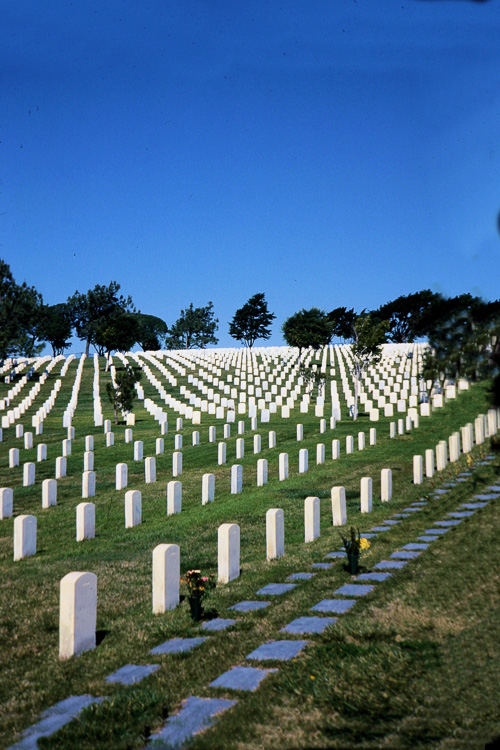 Ft-Rosecrans-National-Cemetary,-San-Diego.jpg