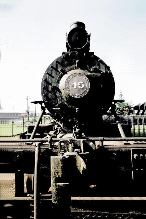 Old-Steam-Engine.jpg
