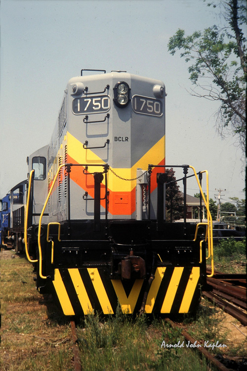 Train-Diesel-Engine--1750_0068-300dpi.jpg